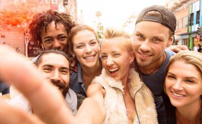 Unternehmer, smartphone, social media, junge Leute, generation z