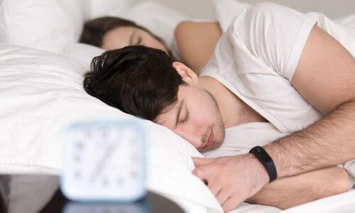schlafen, Paar, Wecker